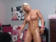 Mulher Musculosa com Vibrador