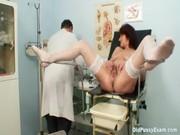 Ginecologista Tarado Comendo a Paciente