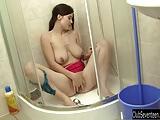 Novinha Deliciosa Tomando Banho