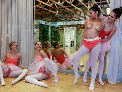 Putaria com as Novinhas na Aula de Ballet