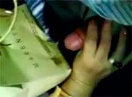 Coroa batendo punheta no onibus até gozar - http://www.pornotubevideos.net